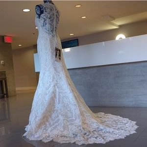 Vintage cream wedding gown size 6 - New with tags